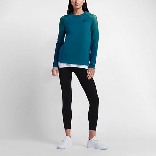 tech-fleece-nike-chica