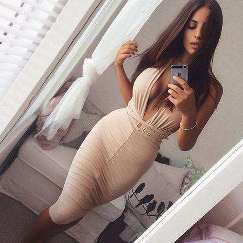 vestido-escote-ombligo