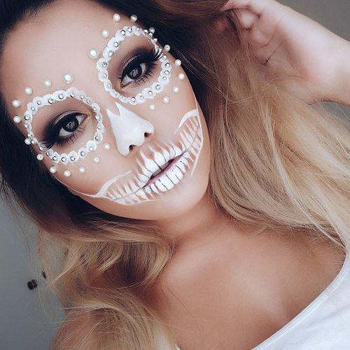 white-skull