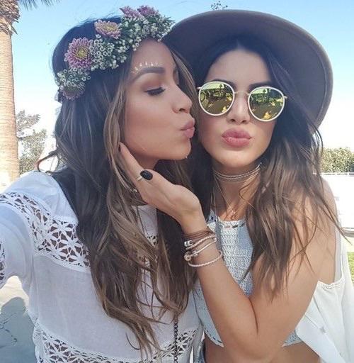 beso-amigas