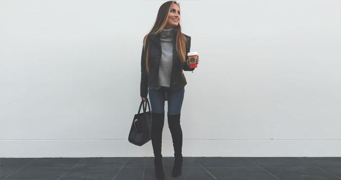 4fa23838a9 15 Outfits súper lindos para invierno con botas a la rodilla