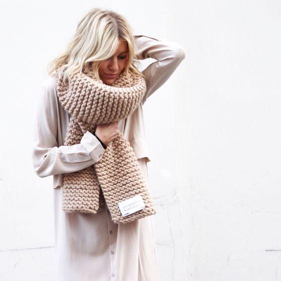 Ideas para usar tus bufandas gorditas con todos tus outfits