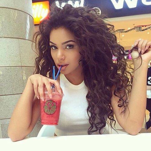 curly-makeup
