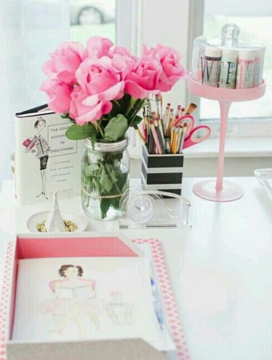 desk-flowers
