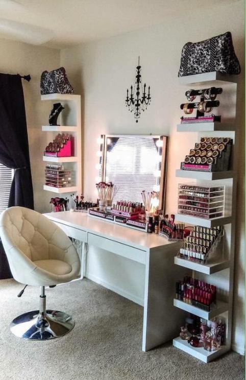desk-makeup