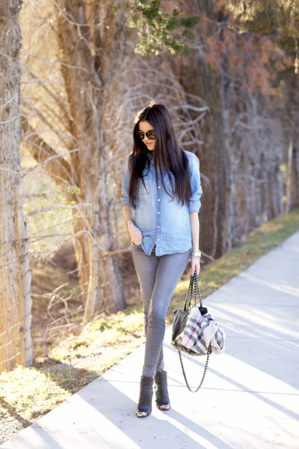 jeans-grises-outfit