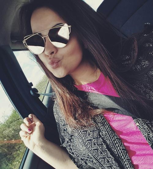 kiss-selfie