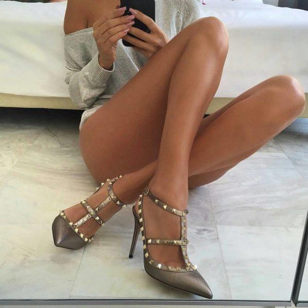 legs-selfie