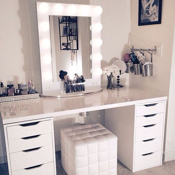makeup-desk