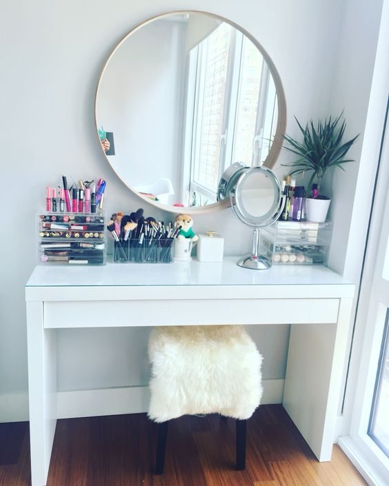 makeupdesk
