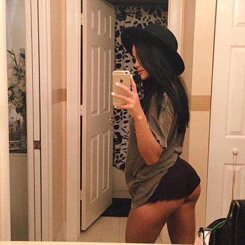 selfie-butt