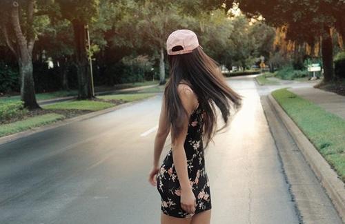 vestido-y-gorras