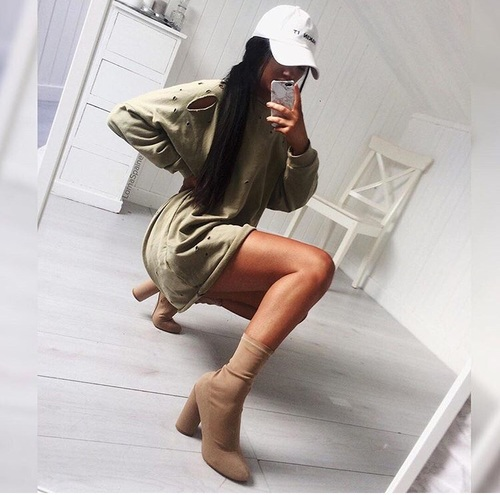Chica selfie se mete el pepino para el novio - 3 part 3