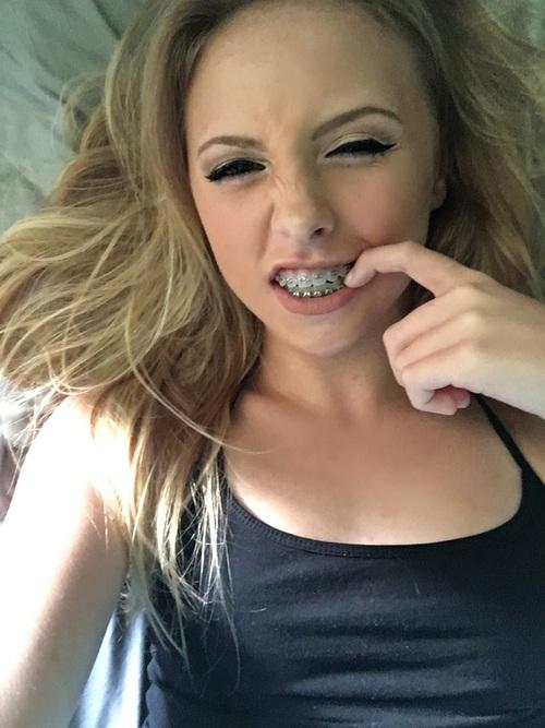 dedo-mouth