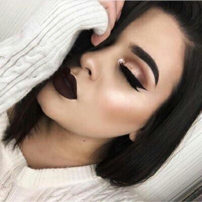 11 maquillajes para combinar con labial oscuro for Pintalabios granate oscuro mate