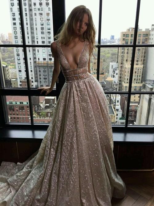 vestidos de novia nude que han dejado al blanco en el olvido