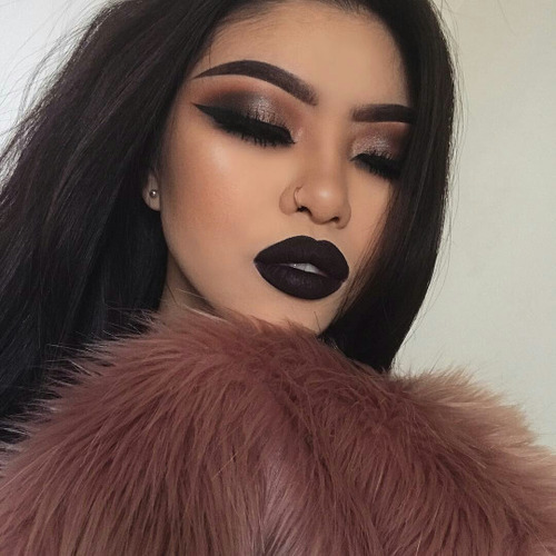 13 Maquillajes Con Labial Negro Mate Para Renovar Tu Look - Maquillaje-negro