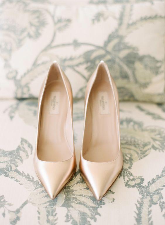Zapatos para poner con vestidos cortos