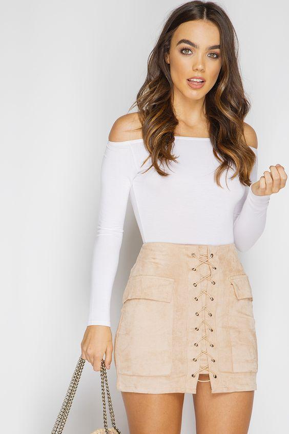 e643fbb072 Las minifaldas con resorte en la zona de la cintura le darán un look casual  inigualable