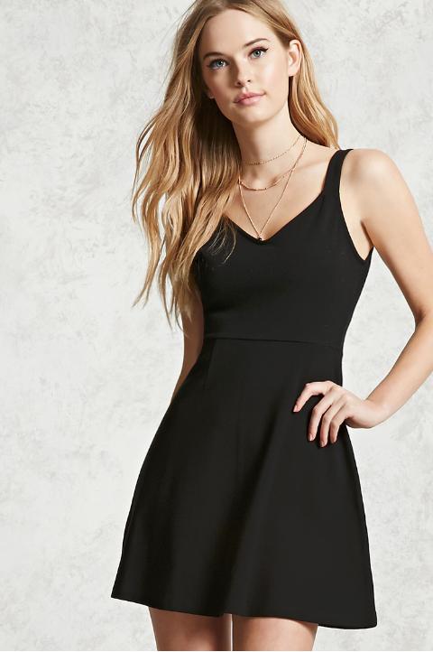 Con que zapatos usar un vestido negro corto
