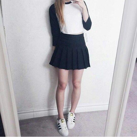 15 Chicas a las que les puedes copiar su look con falda skater dbfe6b43e24