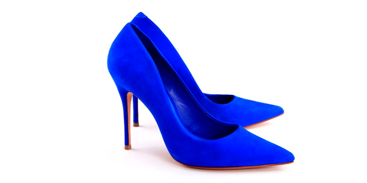 ac0626af97cfd Outfits perfectos para esos zapatos azules que no sabes combinar