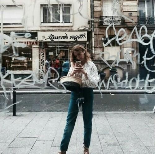 Reto de 15 selfies para este mes. Frente-a-un-espejo-por-la-calle