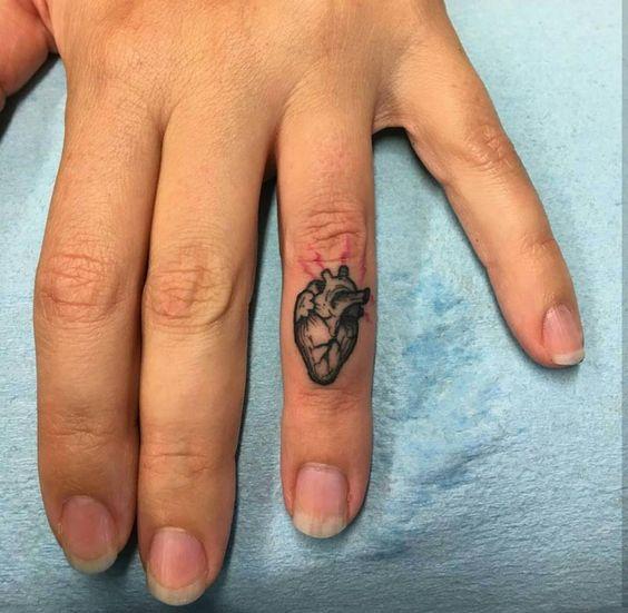 Tatuaje Corazon En El Dedo tatuajes para tus dedos que no te harán ver como una 'wanna be'