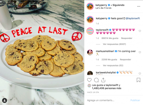 With this cute Gesture Taylor Swift and Katy Perry finally made the passes